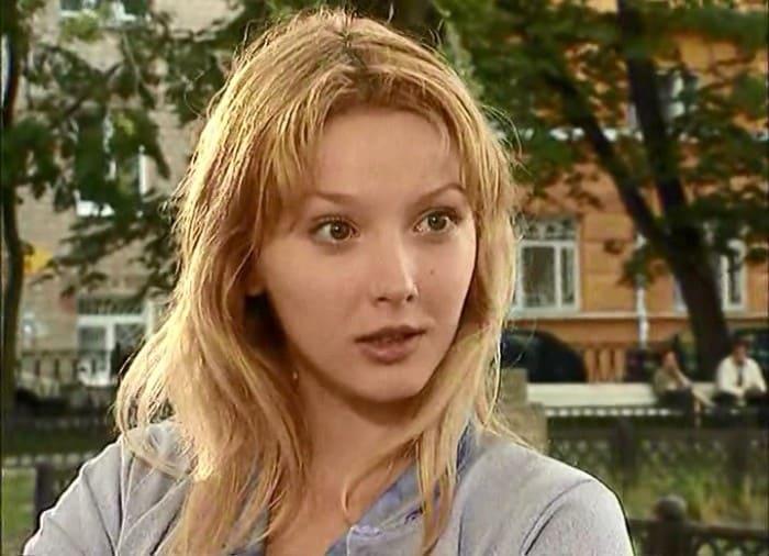 Ольга Понизова в сериале *Две судьбы*, 2002 | Фото: kino-teatr.ru