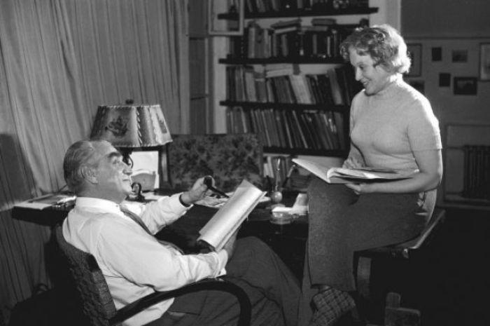 Режиссер и актриса в домашней обстановке, 1960-е гг. | Фото: aif.ru