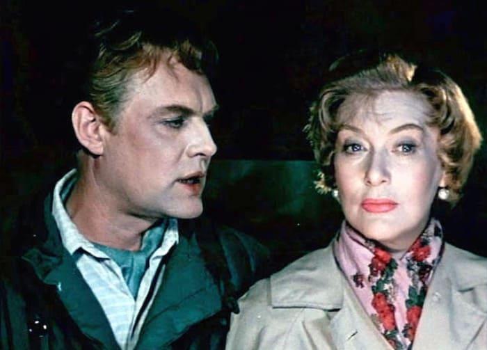 Кадр из фильма *Русский сувенир*, 1960 | Фото: kino-teatr.ru