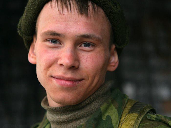 Петр Логачев в фильме *Пленный*, 2008 | Фото: kino-teatr.ru