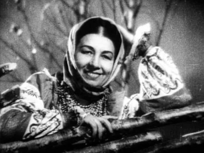 Лидия Русланова в *Концерте фронту*, 1942 | Фото: pravda.ru