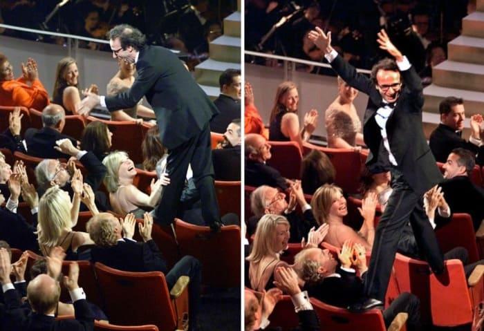 Роберто Бениньи на церемонии награждения | Фото: gazeta.ru и yesmagazine.ru