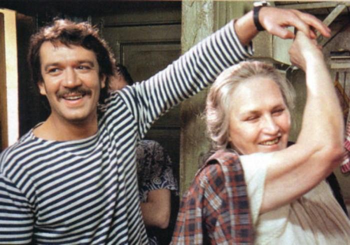 Кадр из фильма *Мама*, 1999