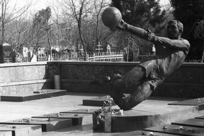Памятник погибшим футболистам | Фото: sputnik.kg