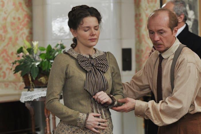 Кадр из сериала *Шерлок Холмс*, 2013 | Фото: russia.tv