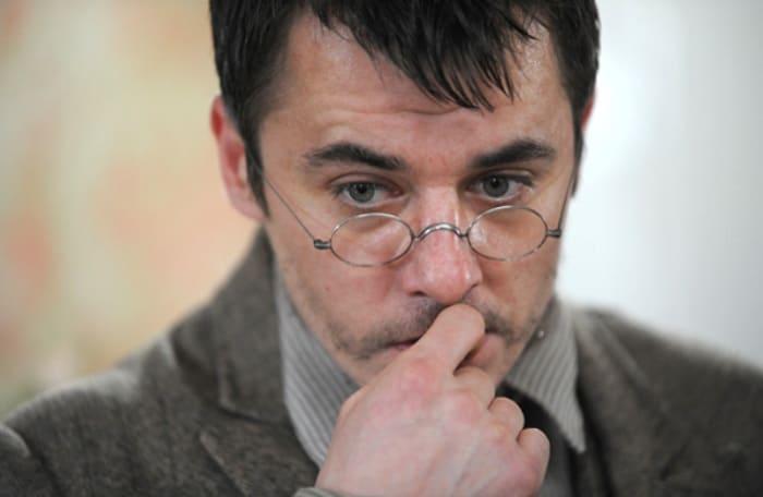 Игорь Петренко в роли Шерлока Холмса, 2013 | Фото: kino-teatr.ru