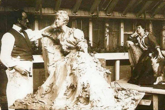 М. Тенишева позирует скульптору П. Трубецкому, 1898 | Фото: liveinternet.ru