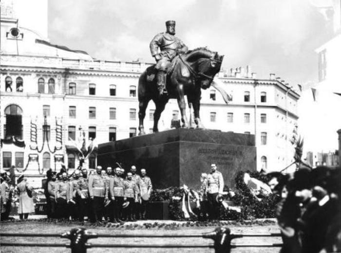 Открытие памятника Александру III в Санкт-Петербурге, 1909 | Фото: liveinternet.ru