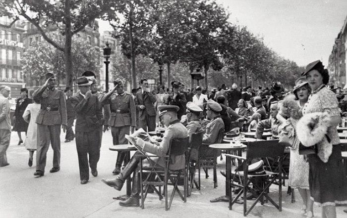 Парижская улица времен оккупации