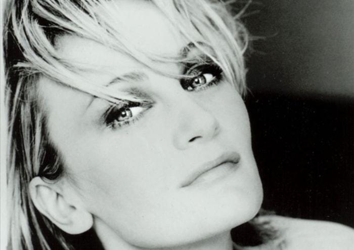Одна из самых известных французских певиц   Фото: liveinternet.ru