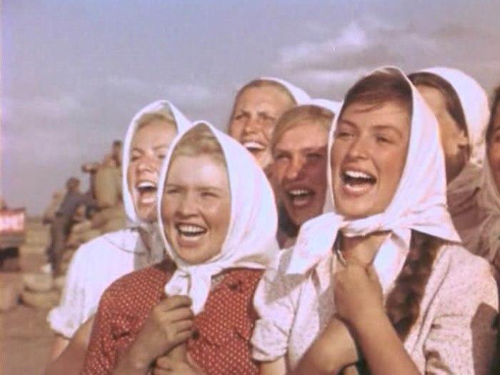 Екатерина Савинова в фильме *Кубанские казаки*, 1949 | Фото: kino-teatr.ru