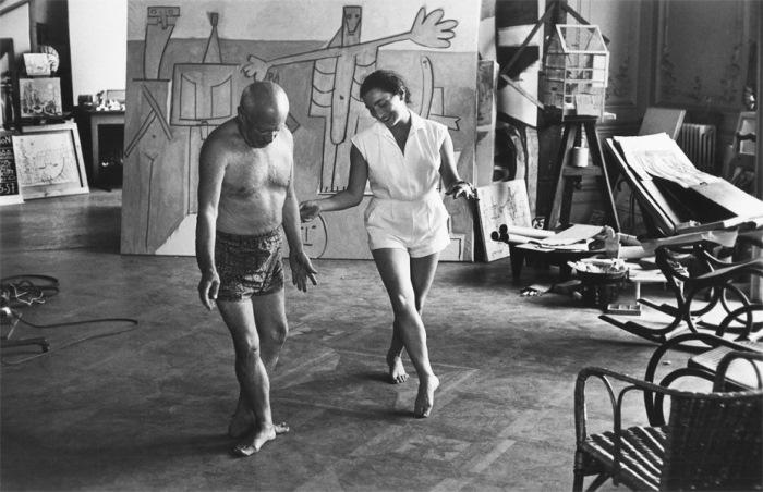 Пикассо и Жаклин Рок танцуют, 1957 г. Фото Дэвида Дугласа Дункана