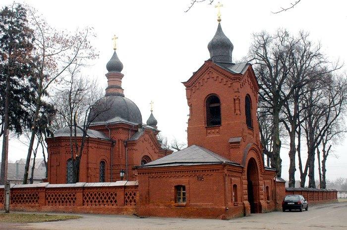 Церковь-некрополь, в которой находится саркофаг Н. Пирогова   Фото: avto-city.com.ua