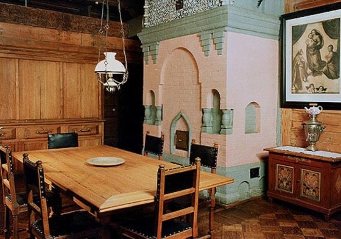 В доме-музее В. Васнецова в Москве | Фото: travel.rambler.ru