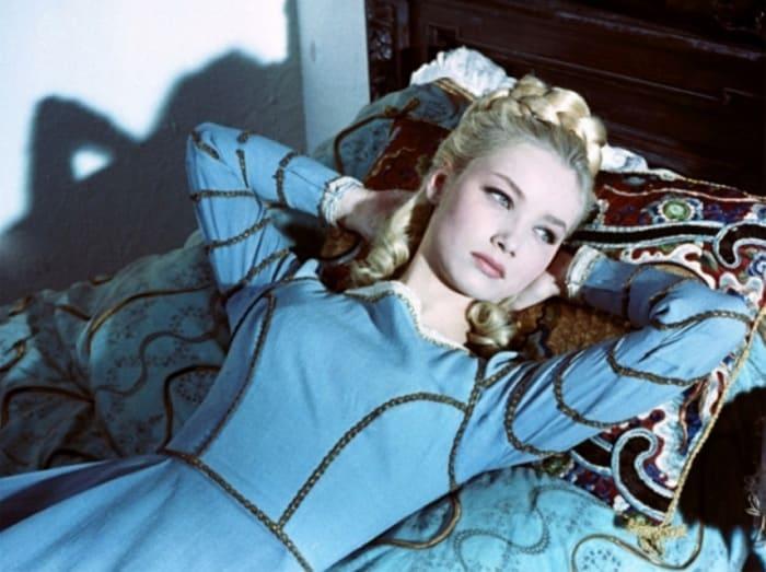 Кадр из фильма *Девушка в окошке*, 1964 | Фото: kino-teatr.ru