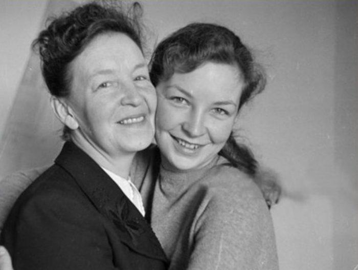Одиль Версуа (Татьяна) с матерью | Фото: retrospectra.ru