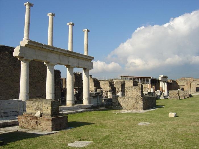 Сейчас Помпеи – музей под открытым небом | Фото: liveinternet.ru