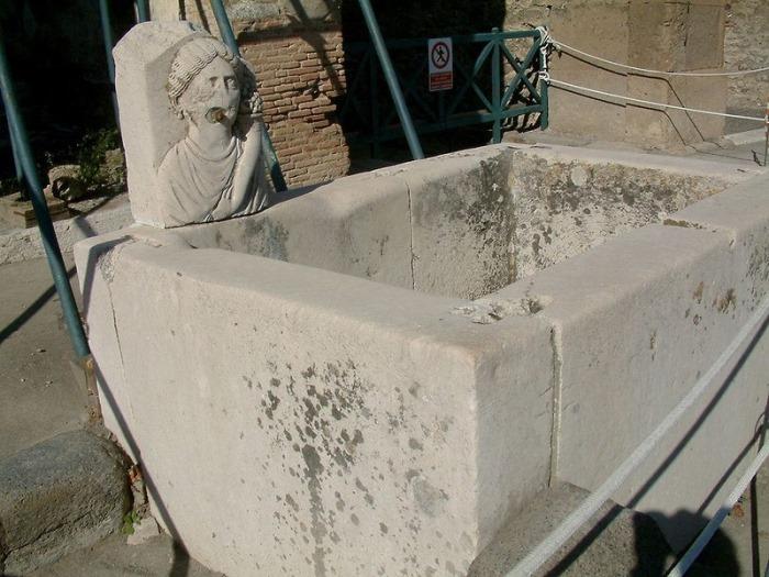 Фонтан в Помпеях | Фото: liveinternet.ru
