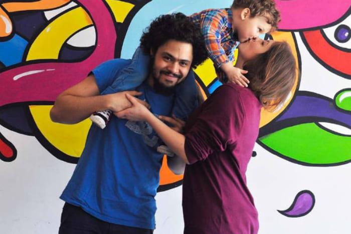Сын певицы с семьей | Фото: anews.com