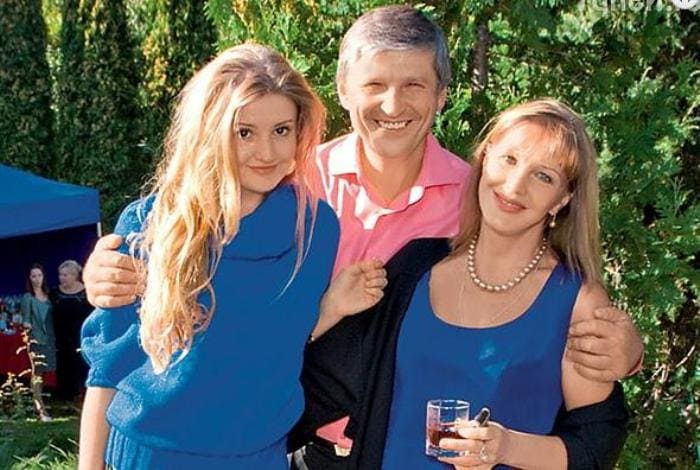 Елена Проклова с мужем Андреем Тришиным и дочерью Полиной   Фото: zakulisi.ru