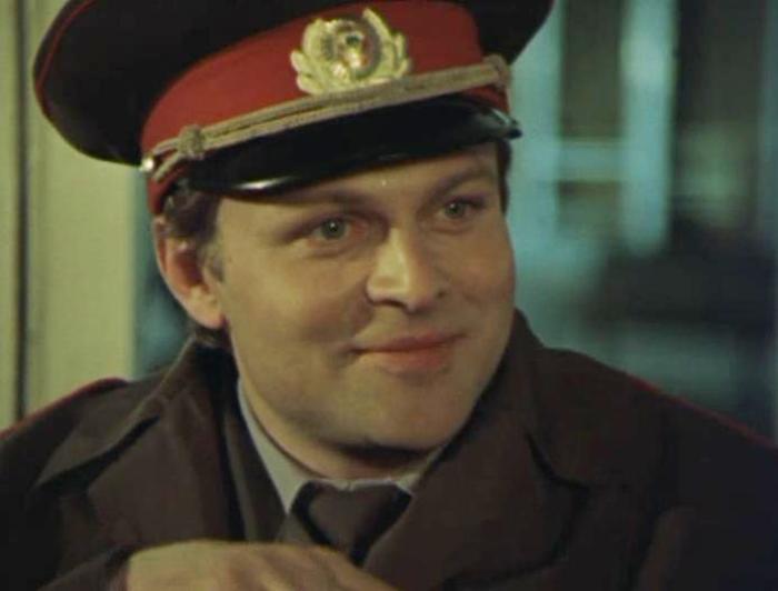 Александр Соловьев в фильме *Случай в аэропорту*, 1987 | Фото: kino-teatr.ru