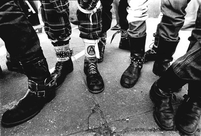 Модная обувь панков