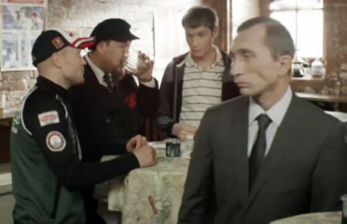 Дмитрий Грачев в сериале *Реальные пацаны*, 2013 | Фото: kino-teatr.ru