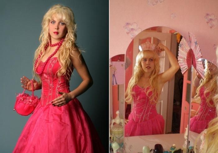 Девушка похожа на куклу Барби – по версии самой Карины