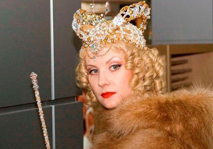 Рената Литвинова в фильме *Мелодия для шарманки*, 2009 | Фото: kino-teatr.ru