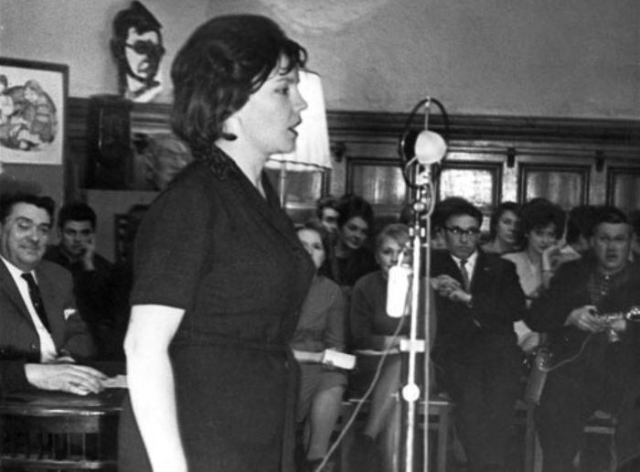 Знаменитая поэтесса, автор многих популярных песен   Фото: rimma-kazakova.ru