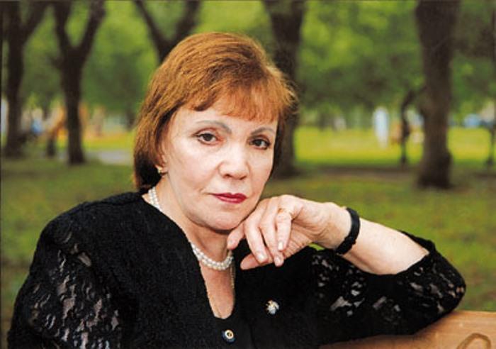 Знаменитая поэтесса, автор многих популярных песен | Фото: kommersant.ru