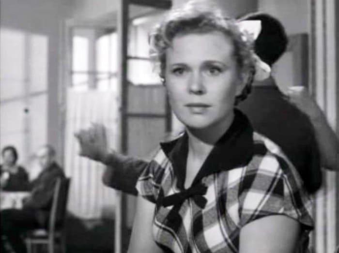 Римма Шорохова в фильме *Весна на Заречной улице*, 1956 | Фото: kino-teatr.ru