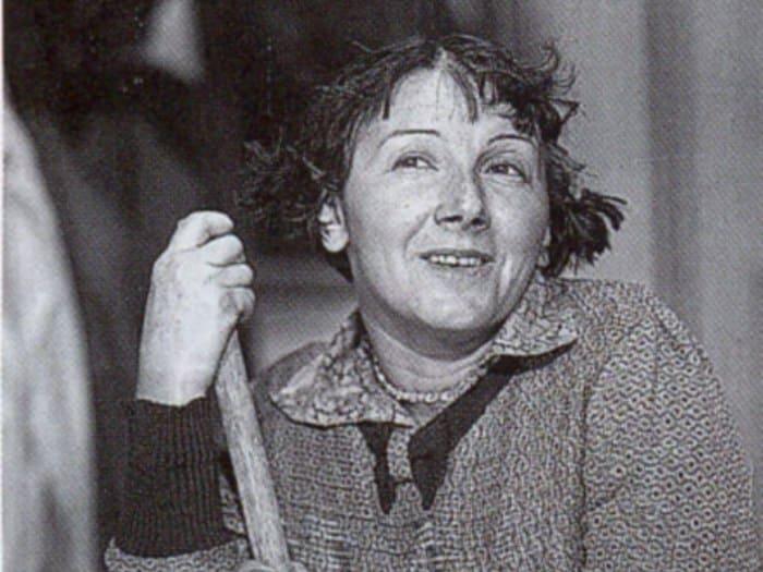 Рина Зеленая в фильме *Подкидыш*, 1939 | Фото: kino-teatr.ru