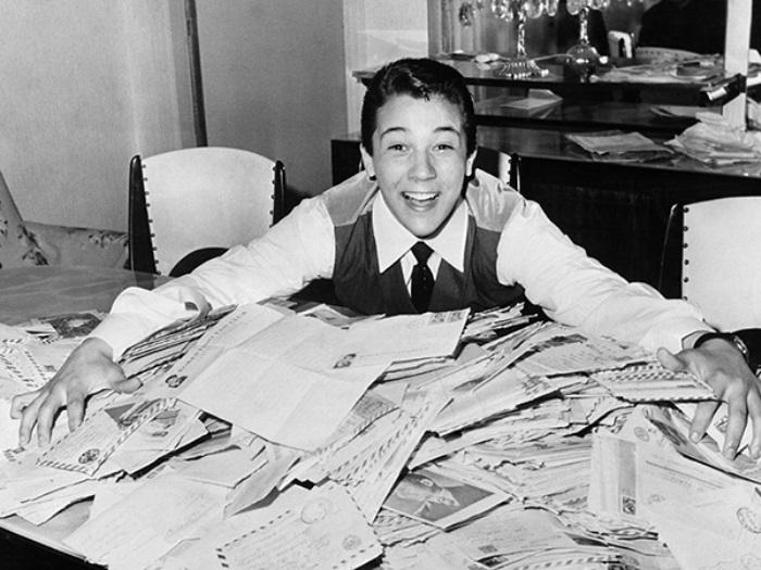 Поклонники присылали вундеркинду тысячи писем | Фото: rg.ru