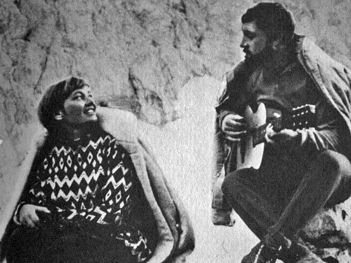 Владимир Высоцкий и Лариса Лужина на съемках фильма *Вертикаль*, 1966 | Фото: echo.msk.ru