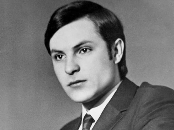 Актер и режиссер в молодости | Фото: kino-teatr.ru