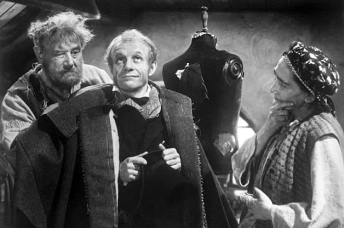 Кадр из фильма *Шинель*, 1959 | Фото: aif.ru