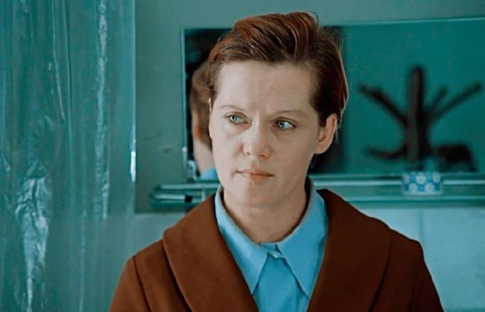 Алиса Фрейндлих в фильме *Служебный роман*, 1977   Фото: cosmo.ru