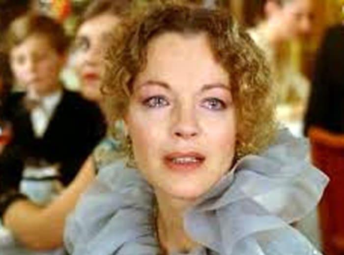 Роми Шнайдер в фильме *Прохожая из Сан-Суси*, 1982 | Фото: kino-teatr.ru