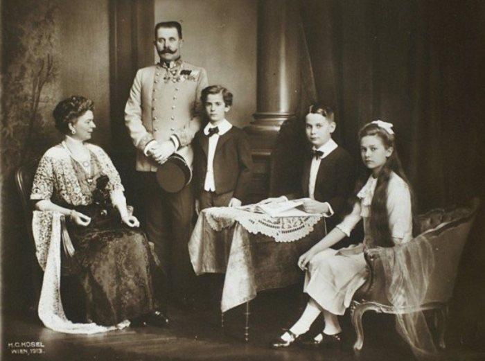 Эрцгерцог Франц Фердинанд с семьей | Фото: upyourpic.org