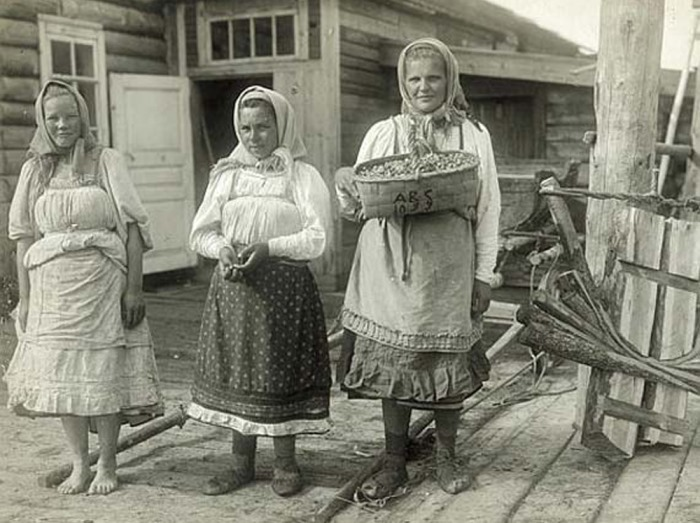 Ретро женщины в деревенской бане видео