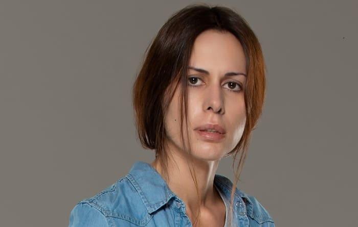 Актриса на съемках сериала *Колл-центр*, 2019 | Фото: kino-teatr.ru