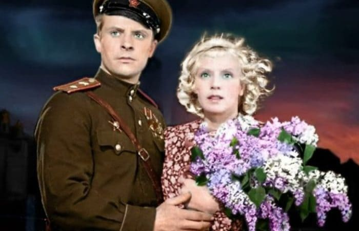 Кадр из фильма *В шесть часов вечера после войны*, 1944 | Фото: biographe.ru
