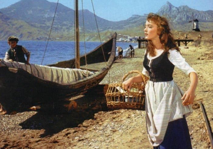 Анастасия Вертинская в роли Ассоль | Фото: kino-teatr.ru