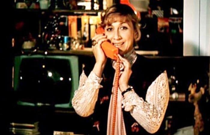 Софико Чиаурели в фильме *Ищите женщину*, 1982 | Фото: kino-teatr.ru