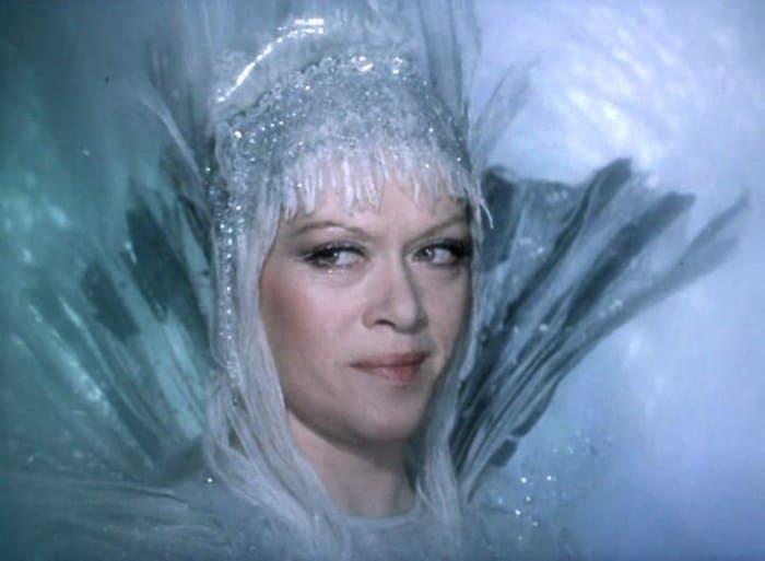 Алиса Фрейндлих в роли Снежной королевы | Фото: kino-teatr.ru