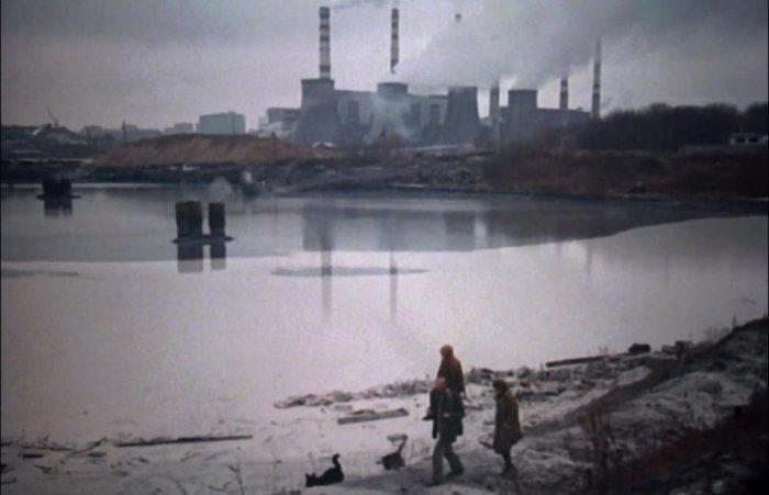 Белая пена на реке не была задумкой режиссера   Фото: domkino.tv