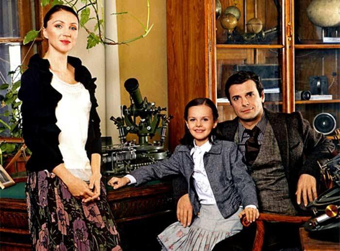 Актер со второй женой и дочерью | Фото: stuki-druki.com