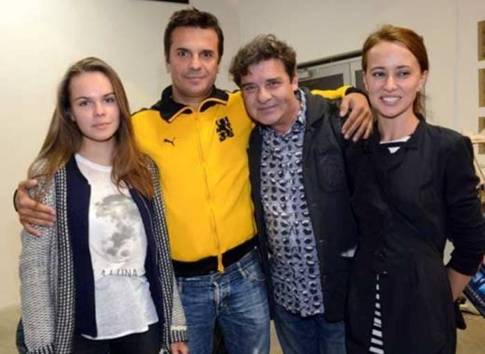 Актер с дочерью Марией (слева) и гражданской женой Викторией (справа) | Фото: stuki-druki.com