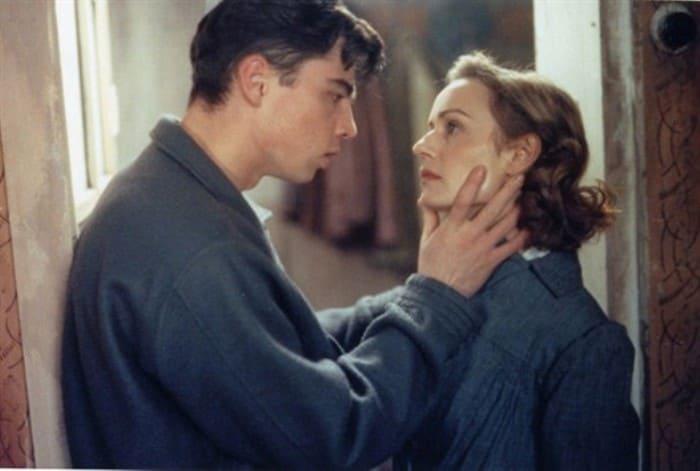 Кадр из фильма *Восток-Запад*, 1999 | Фото: fishki.net